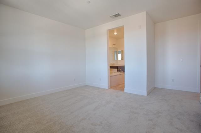 Additional photo for property listing at 493 Mitchell Avenue 493 Mitchell Avenue Alameda, California 94501 Estados Unidos