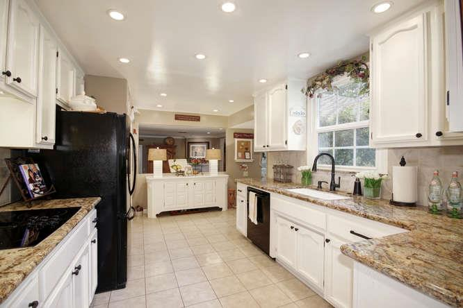 Additional photo for property listing at 3491 Barberry Lane  Sacramento, California 95864 United States