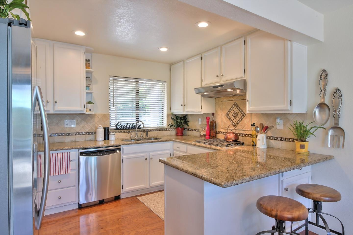Additional photo for property listing at 1682 Belleville Way  Sunnyvale, カリフォルニア 94087 アメリカ合衆国