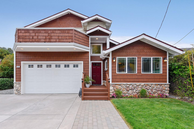 獨棟家庭住宅 為 出售 在 771 Palma Street El Granada, 加利福尼亞州 94018 美國