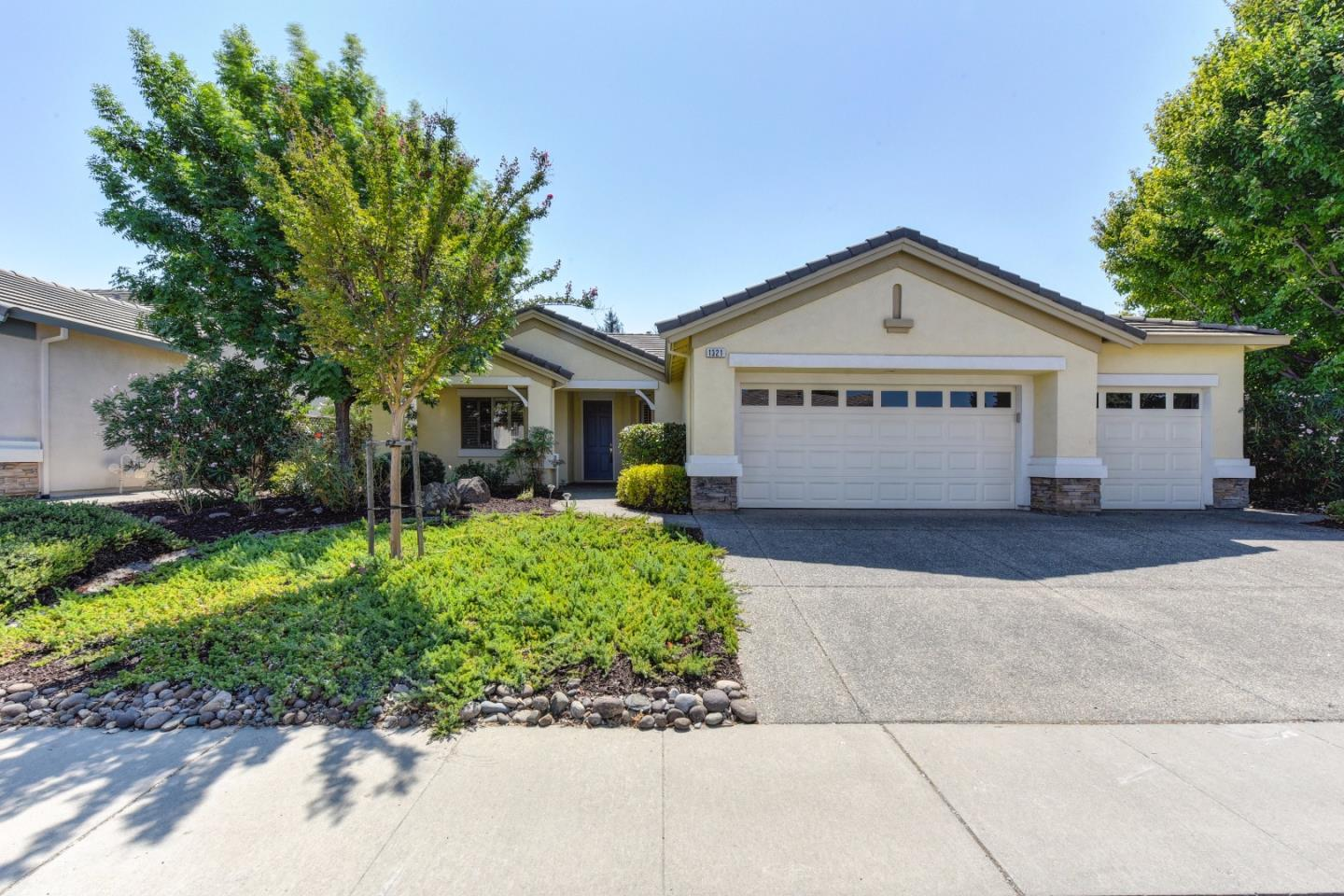 Single Family Home for Sale at 1321 Rose Bouquet Drive Lincoln, California 95648 United States
