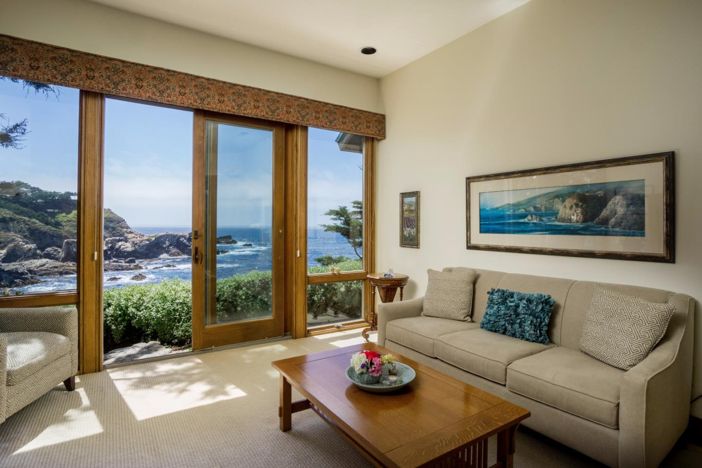 Additional photo for property listing at 166 Spindrift Road  Carmel, Kalifornien 93923 Vereinigte Staaten