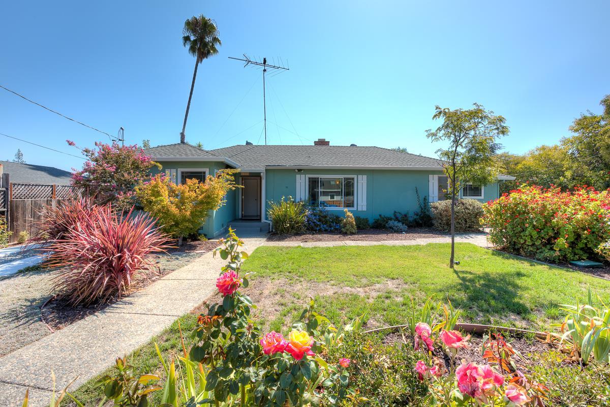 واحد منزل الأسرة للـ Sale في 1498 Vale Avenue Campbell, California 95008 United States