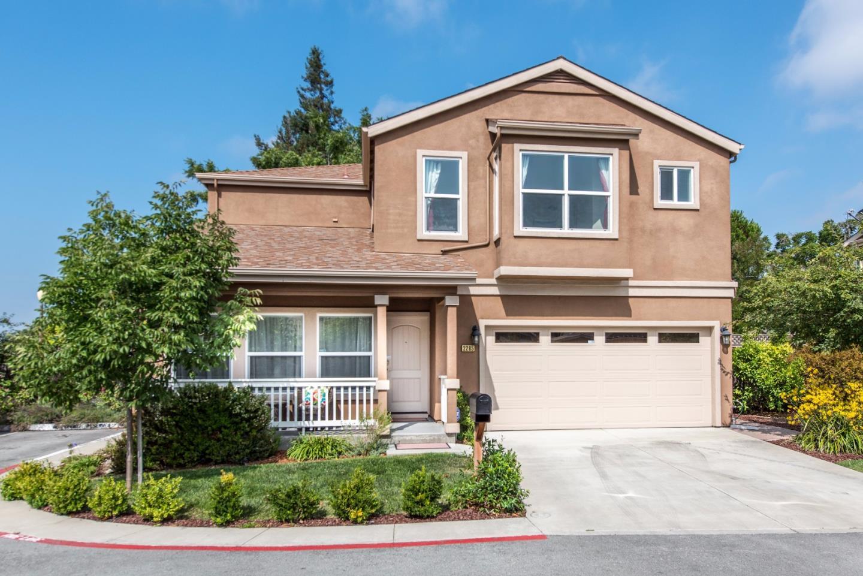 Частный односемейный дом для того Продажа на 2285 Tuscany Court East Palo Alto, Калифорния 94303 Соединенные Штаты