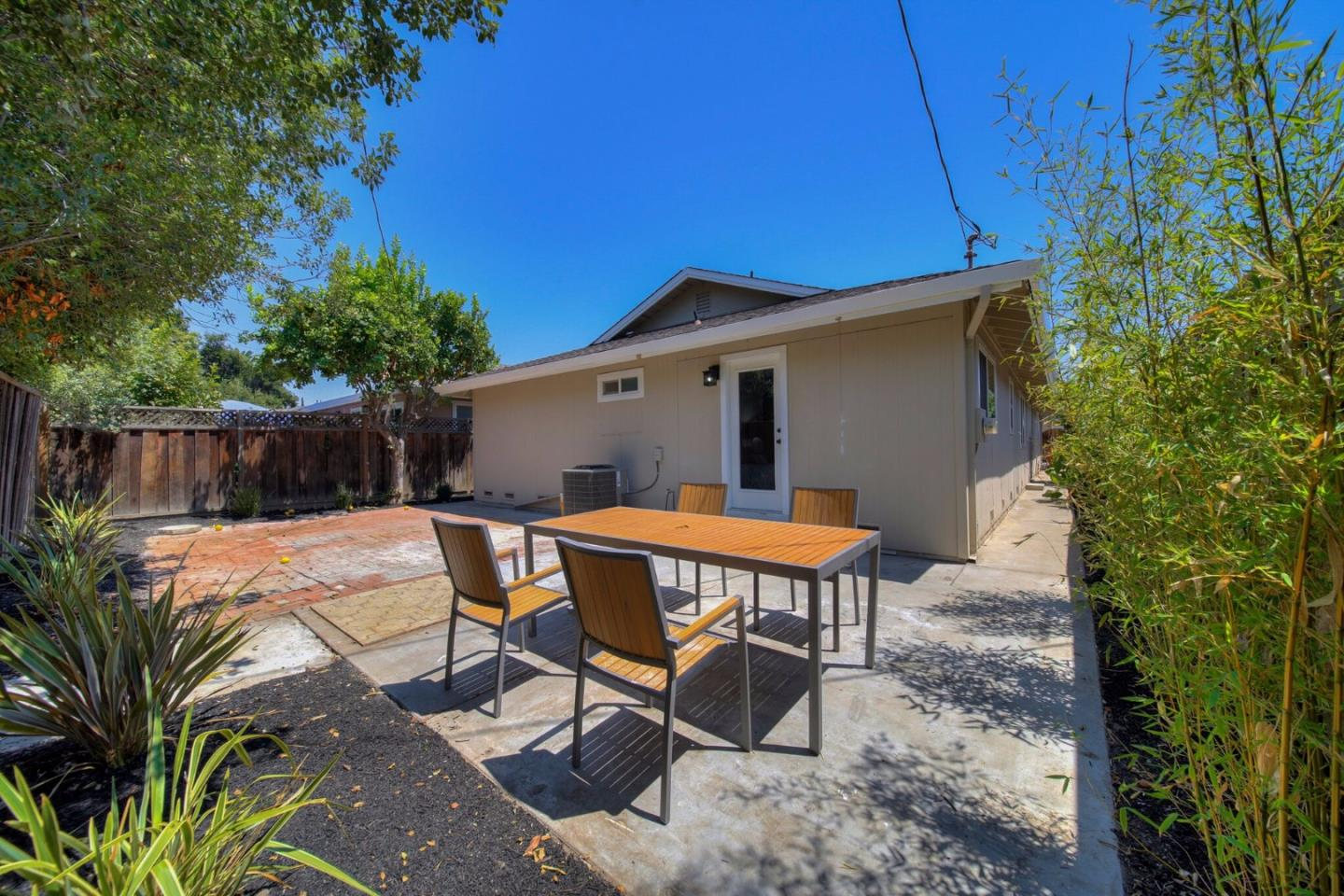 Additional photo for property listing at 201 Brooklyn Avenue  San Jose, Kalifornien 95128 Vereinigte Staaten