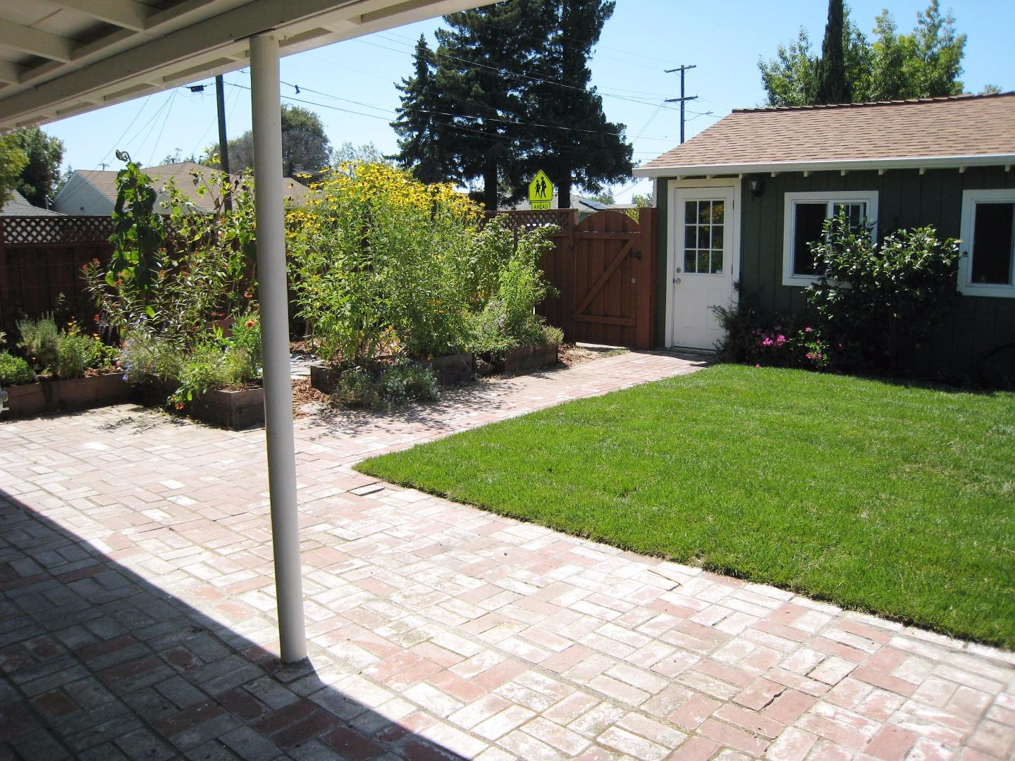Additional photo for property listing at 498 Vine Avenue  Sunnyvale, カリフォルニア 94086 アメリカ合衆国