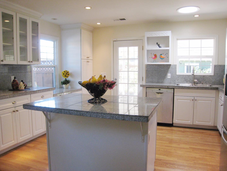 Additional photo for property listing at 498 Vine Avenue  Sunnyvale, Калифорния 94086 Соединенные Штаты