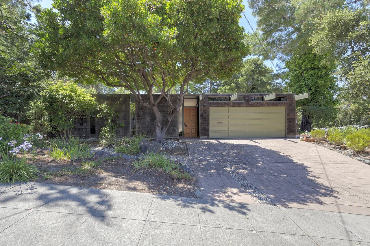 Maison unifamiliale pour l à louer à 1488 Tarrytown Street San Mateo, Californie 94402 États-Unis