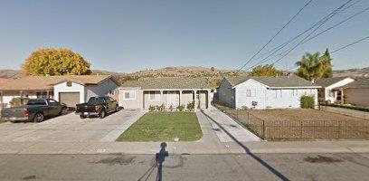 واحد منزل الأسرة للـ Sale في 218 Laumer Avenue San Jose, California 95127 United States
