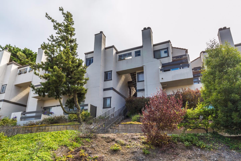 شقة بعمارة للـ Sale في 3550 Carter Drive South San Francisco, California 94080 United States