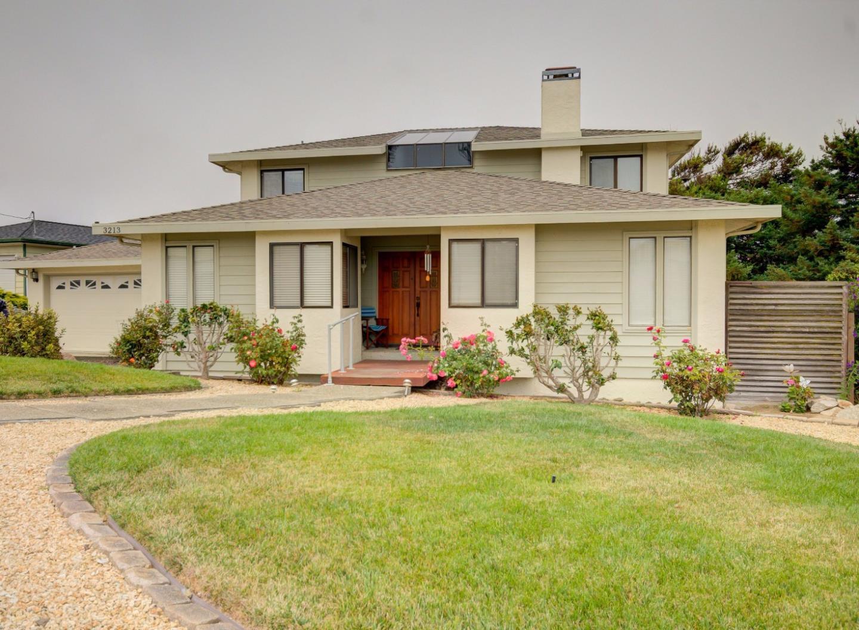Single Family Home for Sale at 3213 Tallmon Street Marina, California 93933 United States