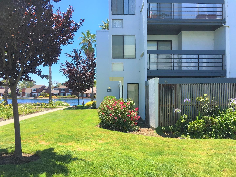 Eigentumswohnung für Verkauf beim 914 Beach Park Boulevard Foster City, Kalifornien 94404 Vereinigte Staaten