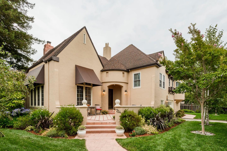 Casa Unifamiliar por un Venta en 754 Costa Rica Avenue San Mateo, California 94402 Estados Unidos
