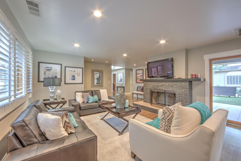 Частный односемейный дом для того Продажа на 249 Bel Ayre Drive Santa Clara, Калифорния 95050 Соединенные Штаты