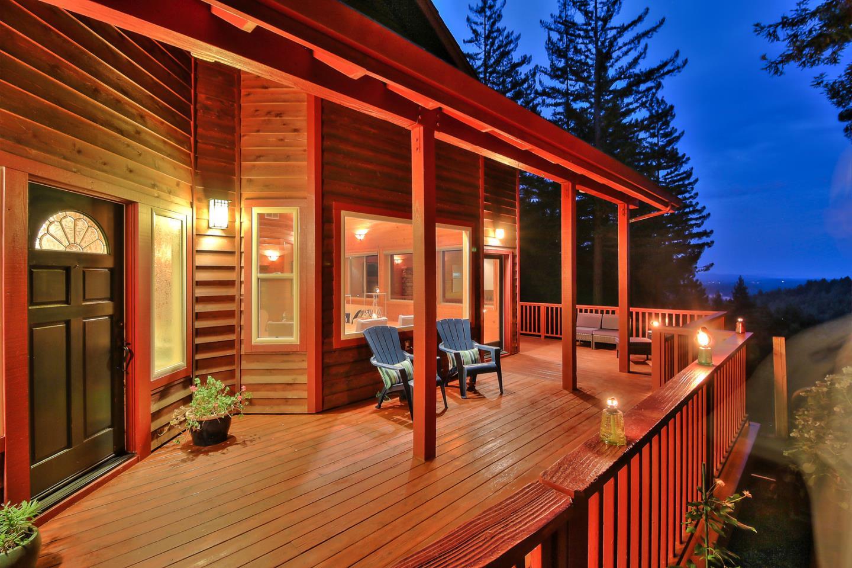 واحد منزل الأسرة للـ Sale في 800 Waldeberg Drive Ben Lomond, California 95005 United States