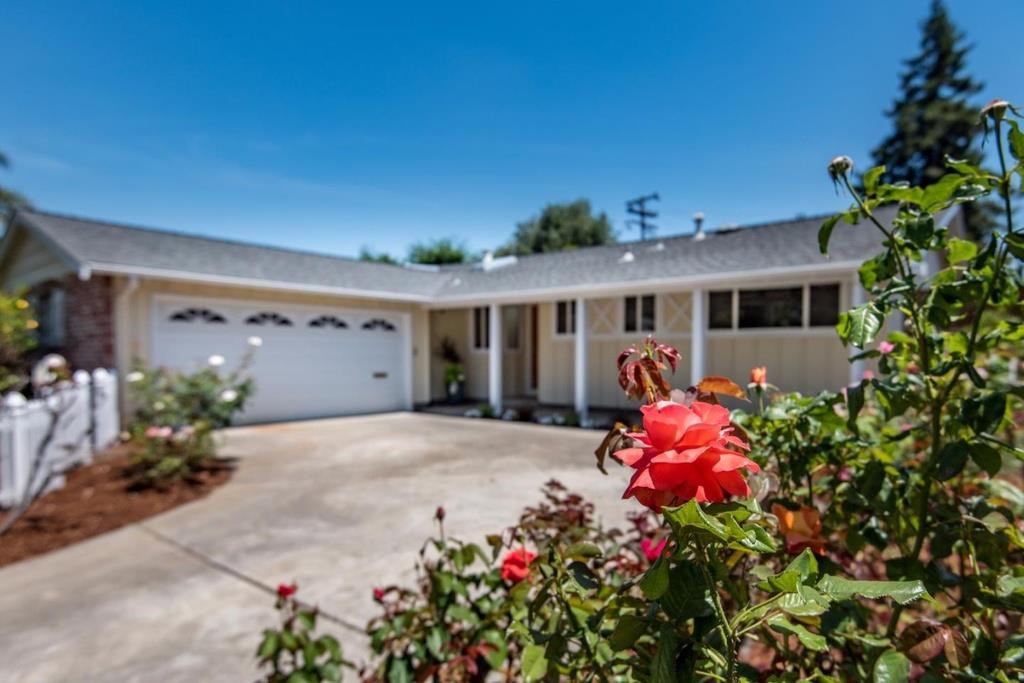 Частный односемейный дом для того Аренда на 1450 Teal Drive Sunnyvale, Калифорния 94087 Соединенные Штаты