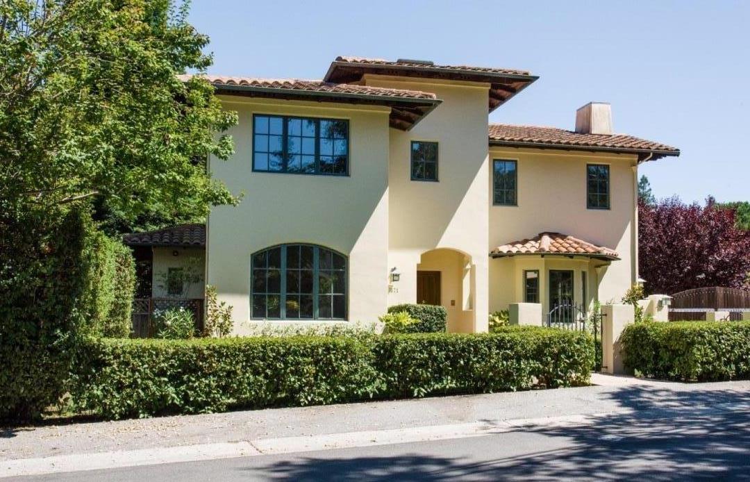 Casa Unifamiliar por un Venta en 1871 Camino A Los Cerros Menlo Park, California 94025 Estados Unidos