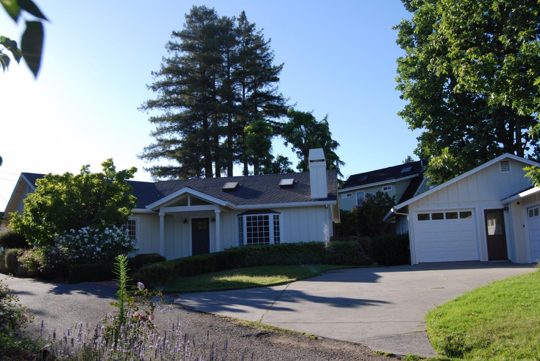 Maison unifamiliale pour l Vente à 353 Glenwood Drive 353 Glenwood Drive Scotts Valley, Californie 95066 États-Unis