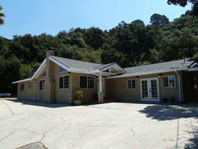 واحد منزل الأسرة للـ Sale في 2469 Garin Road 2469 Garin Road Royal Oaks, California 95076 United States