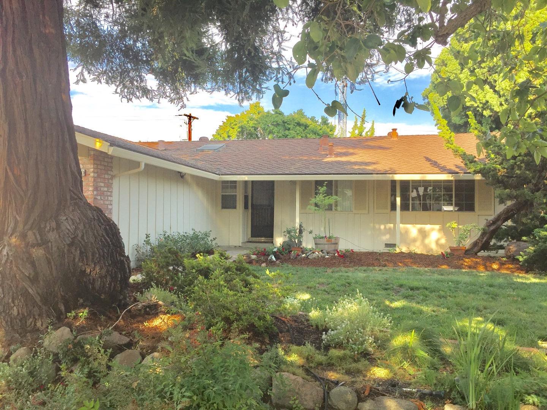 Частный односемейный дом для того Аренда на 860 Mangrove Avenue Sunnyvale, Калифорния 94086 Соединенные Штаты