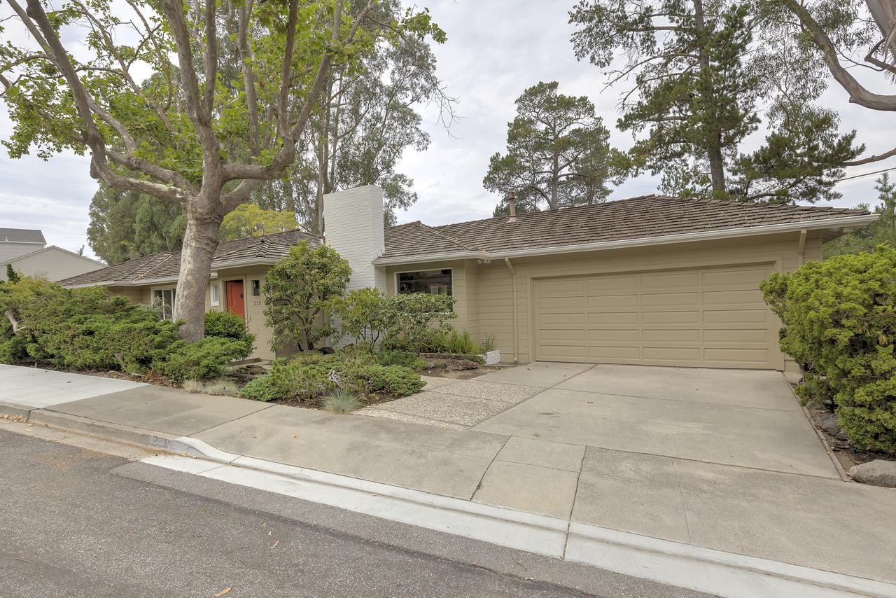 Maison unifamiliale pour l à louer à 220 Tulane Road San Mateo, Californie 94402 États-Unis
