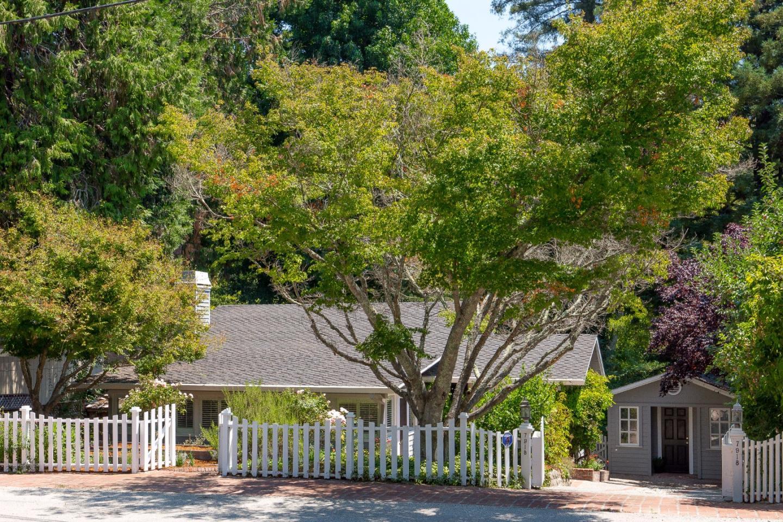 獨棟家庭住宅 為 出售 在 7918 W Zayante Road Felton, 加利福尼亞州 95018 美國