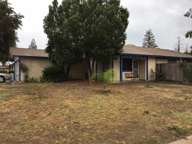 Single Family Home for Sale at 1301 E Laurel Avenue 1301 E Laurel Avenue Tulare, California 93274 United States