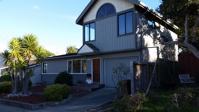 Casa Unifamiliar por un Alquiler en 1381 Irving Avenue Monterey, California 93940 Estados Unidos