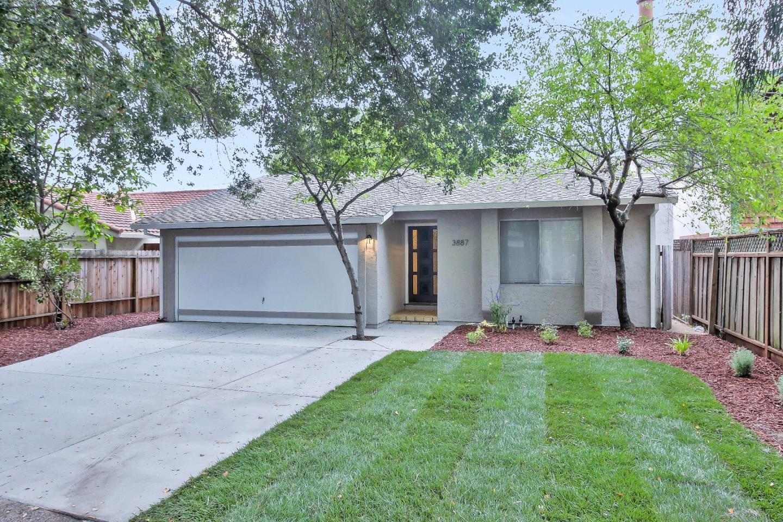 3887 La Selva Drive, PALO ALTO, CA 94306