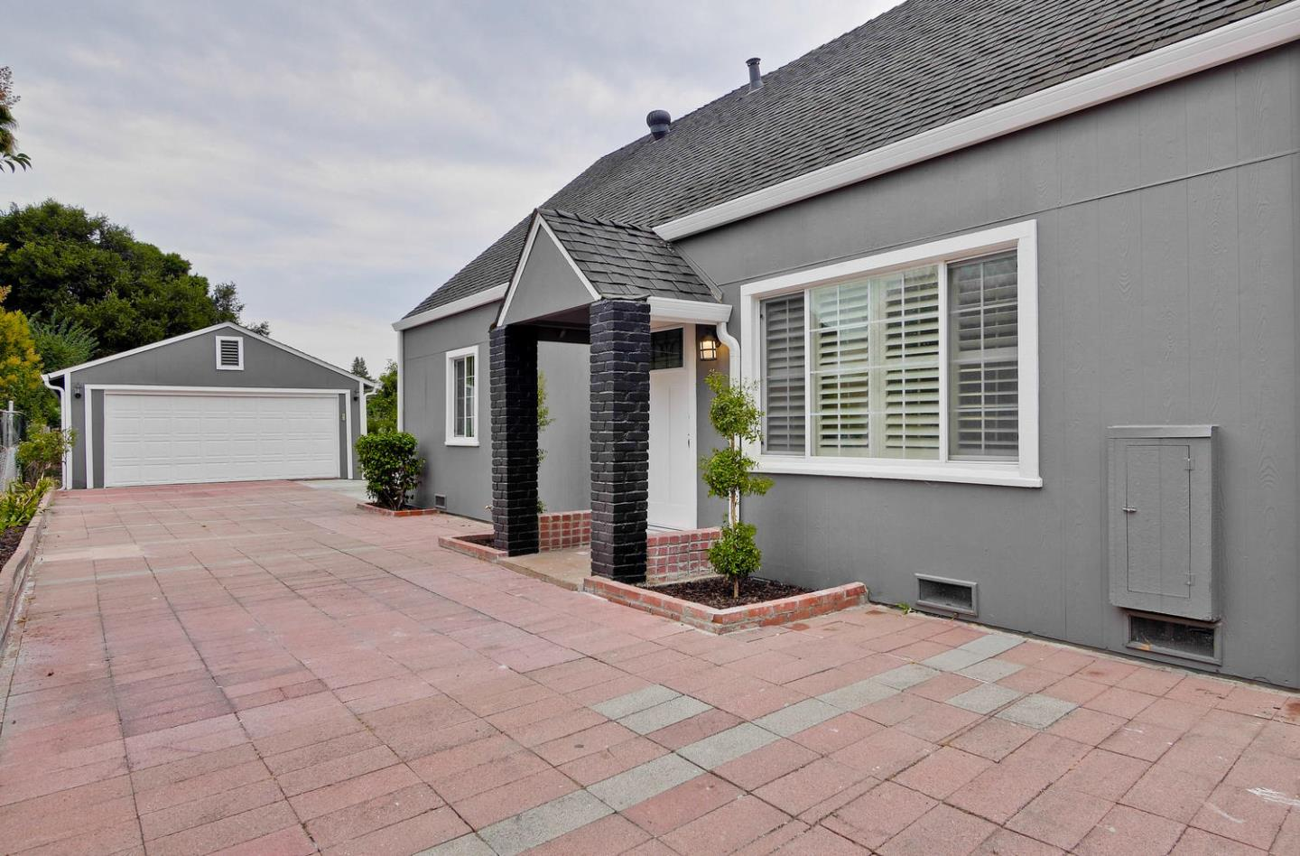 Single Family Home for Sale at 475 Bell Street East Palo Alto, California 94303 United States
