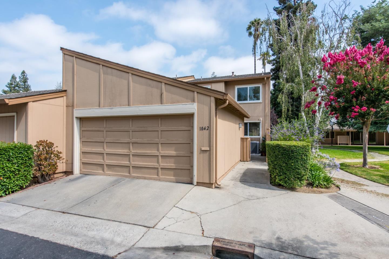 Stadthaus für Verkauf beim 1042 Whitebick Drive 1042 Whitebick Drive San Jose, Kalifornien 95129 Vereinigte Staaten