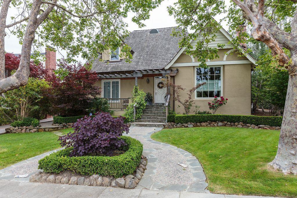 Maison unifamiliale pour l à louer à 206 Amherst Avenue San Mateo, Californie 94402 États-Unis