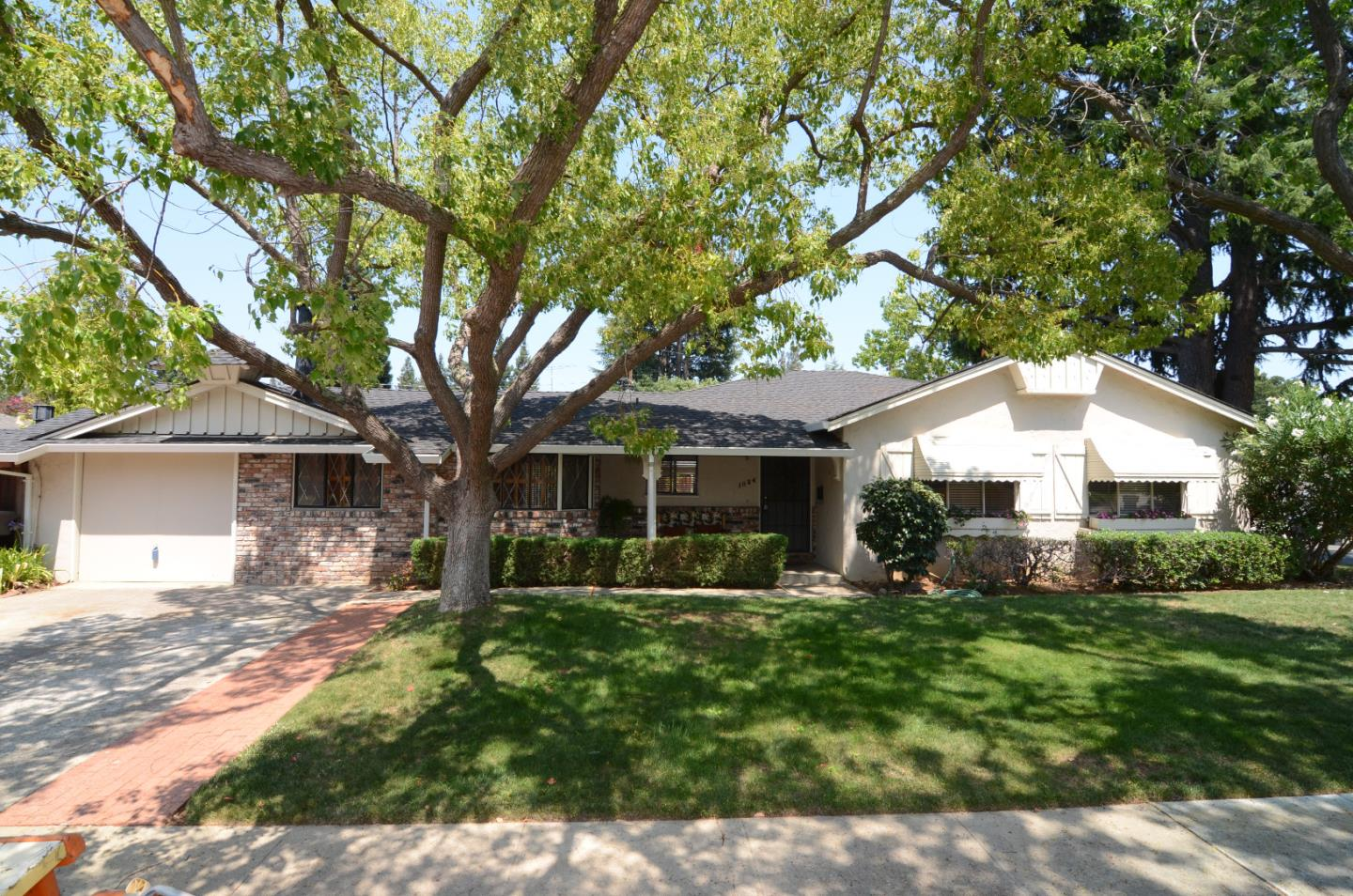 1024 Ashley Place, MOUNTAIN VIEW, CA 94040