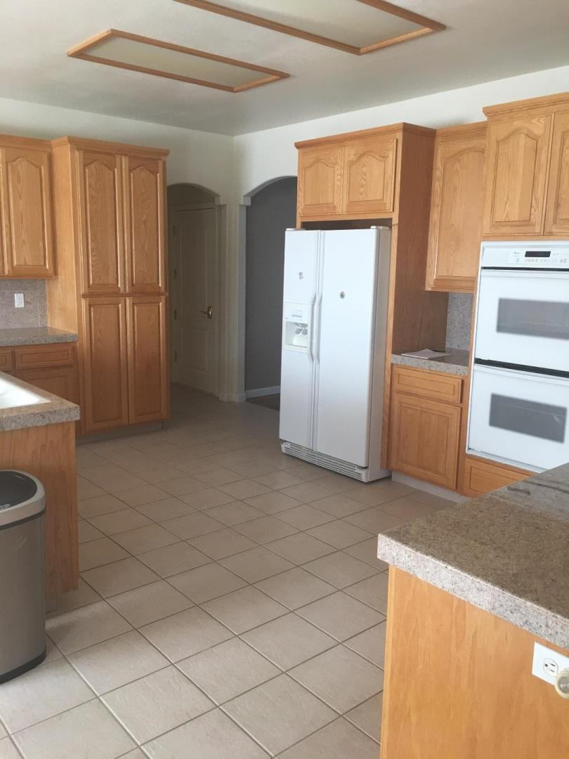 Additional photo for property listing at 6450 Dunnville Way  Hollister, Californie 95023 États-Unis