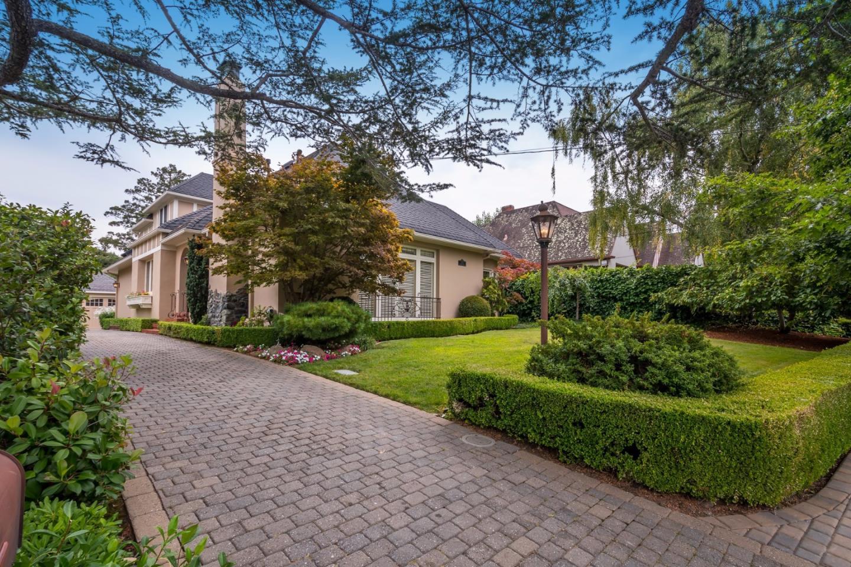 Maison unifamiliale pour l Vente à 570 Edgewood Road San Mateo, Californie 94402 États-Unis