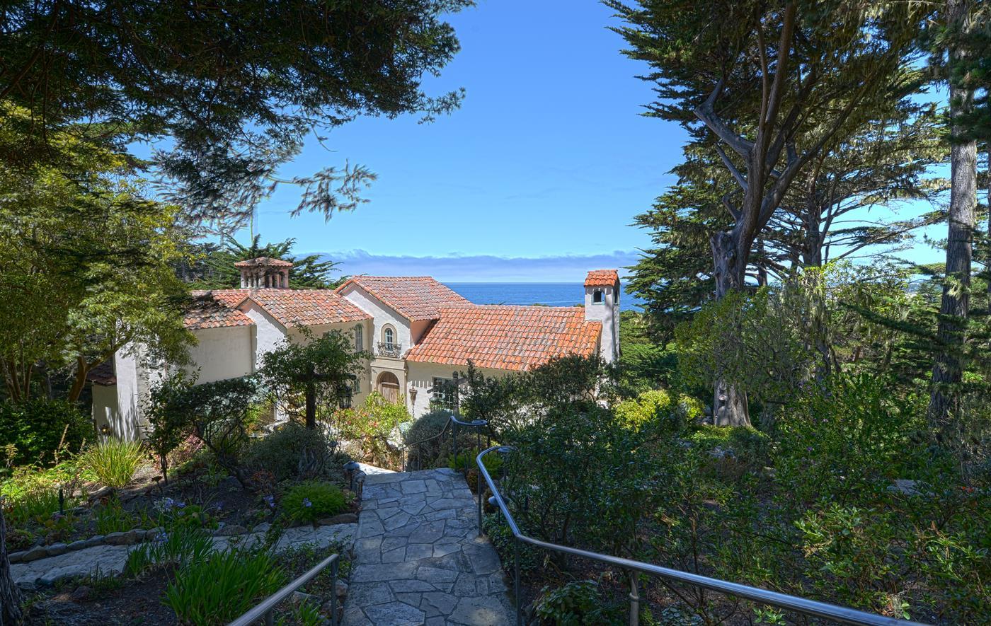 واحد منزل الأسرة للـ Sale في 176 Spindrift 176 Spindrift Carmel, California 93923 United States