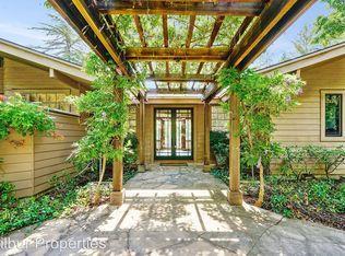 Частный односемейный дом для того Аренда на 28 Meadow Road Woodside, Калифорния 94062 Соединенные Штаты
