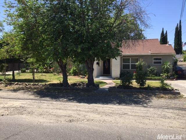 Single Family Home for Sale at 556 Alpha Road Turlock, California 95380 United States
