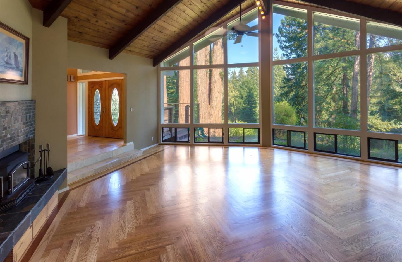 واحد منزل الأسرة للـ Sale في 1220 Lost Acre Drive 1220 Lost Acre Drive Felton, California 95018 United States