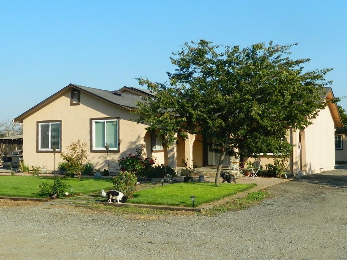 Casa Unifamiliar por un Venta en 14915 Seymour Avenue San Martin, California 95046 Estados Unidos