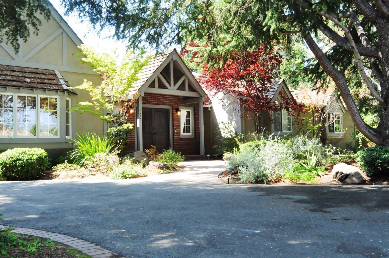 Частный односемейный дом для того Аренда на 660 Hollingsworth Drive Los Altos, Калифорния 94022 Соединенные Штаты