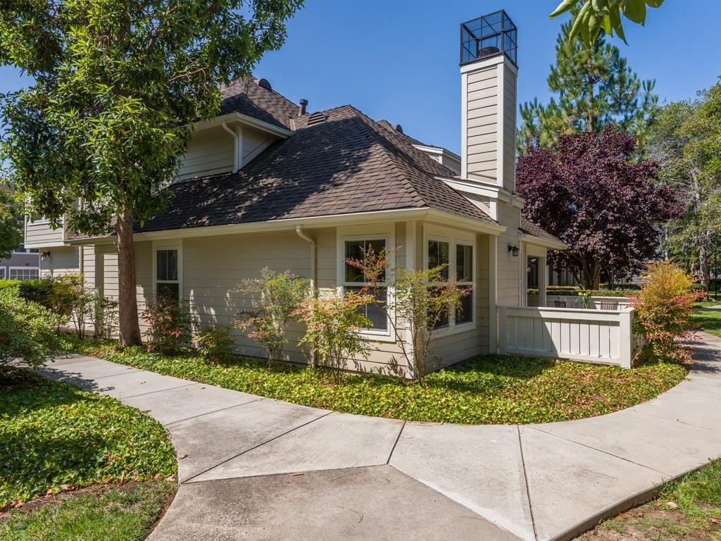 Maison accolée pour l Vente à 1038 Galley Lane Foster City, Californie 94404 États-Unis