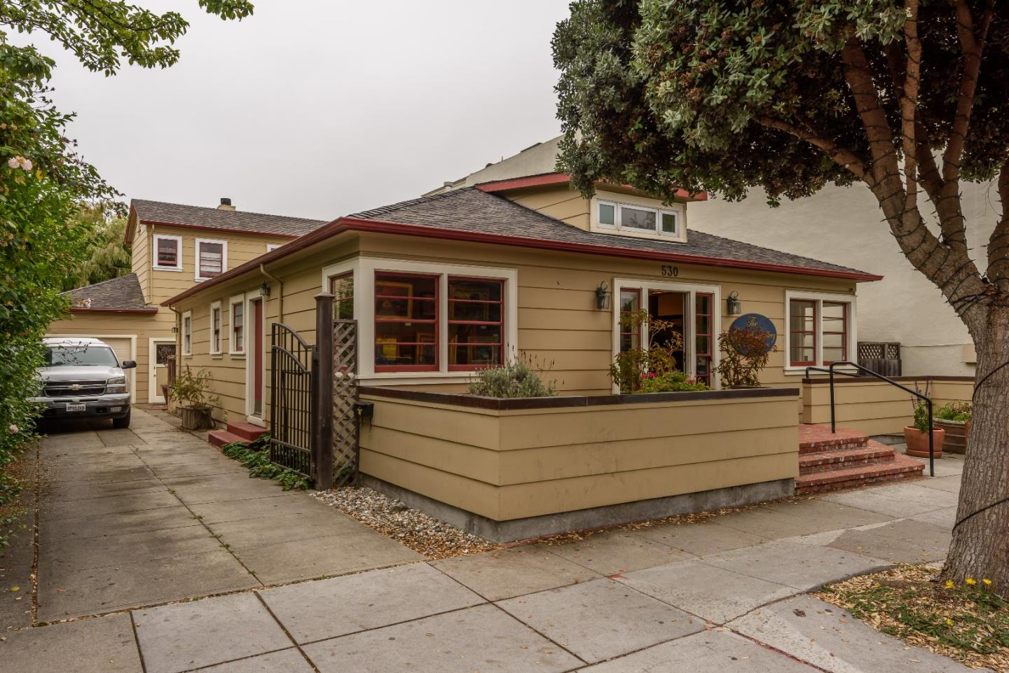 Single Family Home for Sale at 530 Main Street 530 Main Street Half Moon Bay, California 94019 United States
