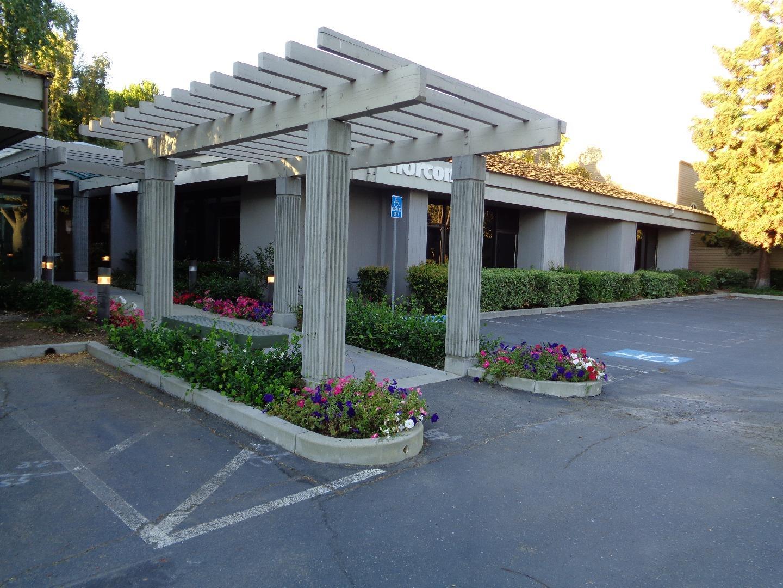 Частный односемейный дом для того Аренда на 1267 Oakmead Parkway Sunnyvale, Калифорния 94085 Соединенные Штаты