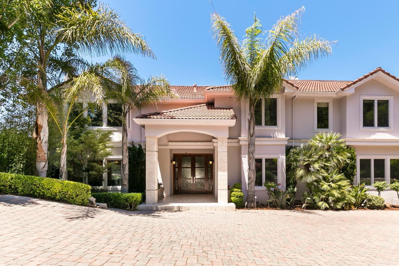 獨棟家庭住宅 為 出售 在 1310 Tournament Drive Hillsborough, 加利福尼亞州 94010 美國
