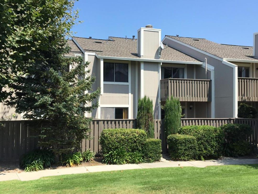 Maison accolée pour l Vente à 804 Rigel Lane Foster City, Californie 94404 États-Unis