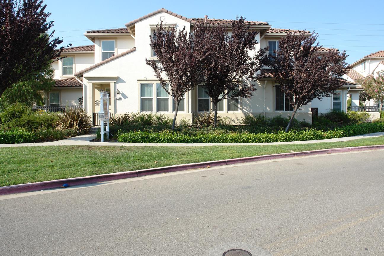 タウンハウス のために 売買 アット 368 Belshaw Drive Milpitas, カリフォルニア 95035 アメリカ合衆国