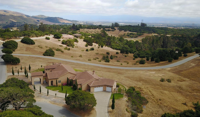 Частный односемейный дом для того Продажа на 8650 Carolines Ridge Road Prunedale, Калифорния 93907 Соединенные Штаты