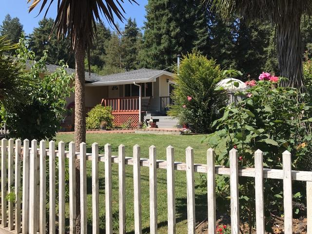 واحد منزل الأسرة للـ Sale في 5851 Plateau Drive 5851 Plateau Drive Felton, California 95018 United States