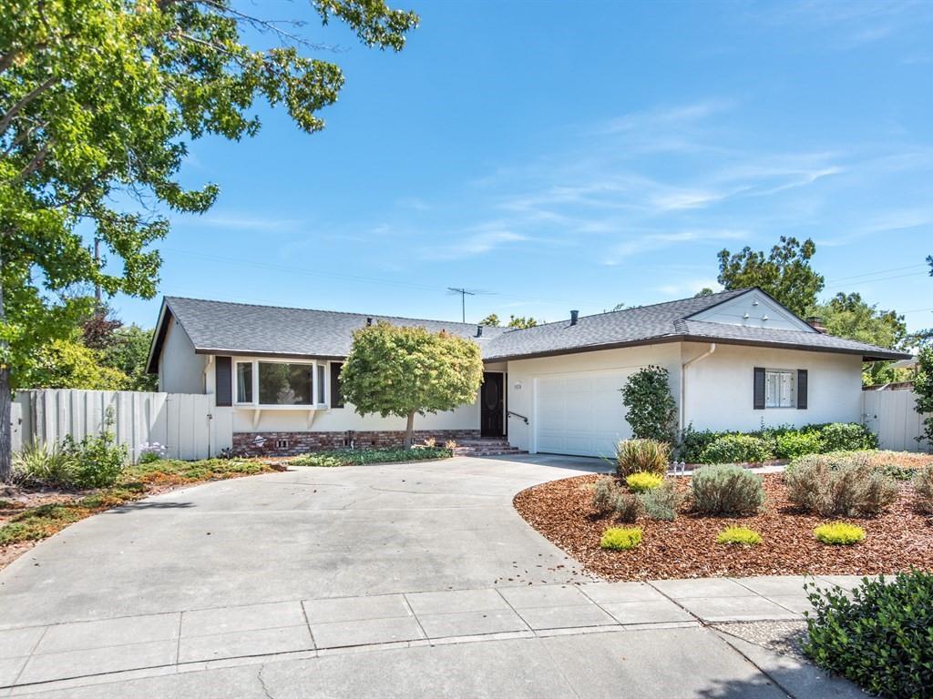 Частный односемейный дом для того Аренда на 1574 Dominion Avenue Sunnyvale, Калифорния 94087 Соединенные Штаты